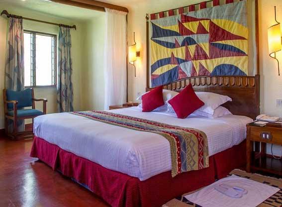 Manyara-serena-suite-bedroo