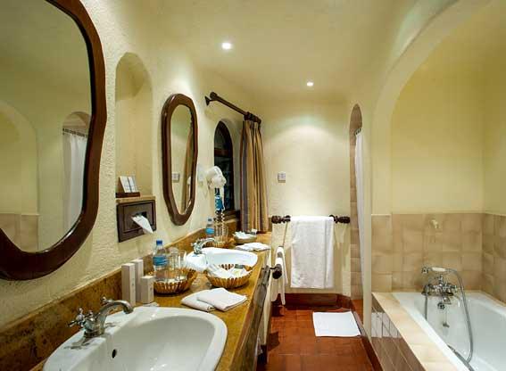 Serena-Safari-Lodge-bathroo